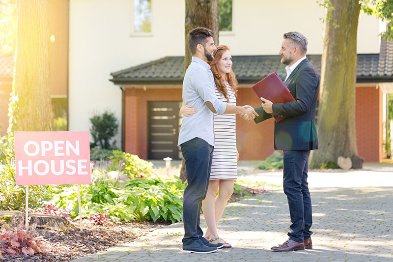 Benefits of Selling Your Home with a Real Estate Agent